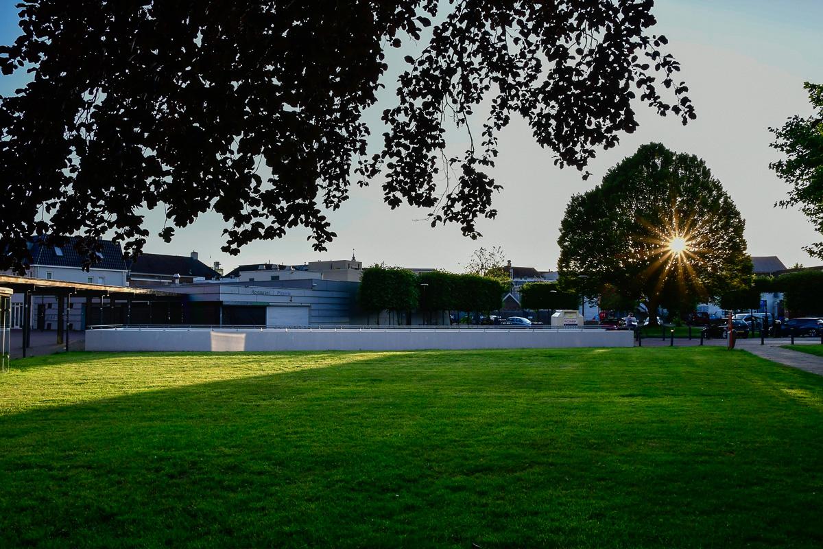 Geen TT Festival 2020. Daarom een leeg grasveld aan de Doevenkamp.